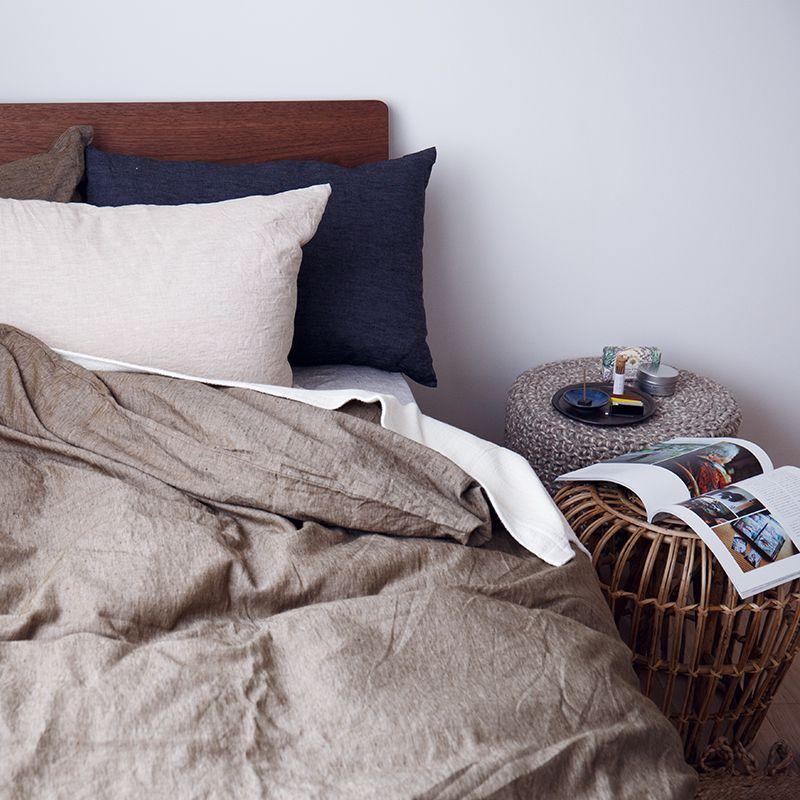 ピローケース ベッドサイド
