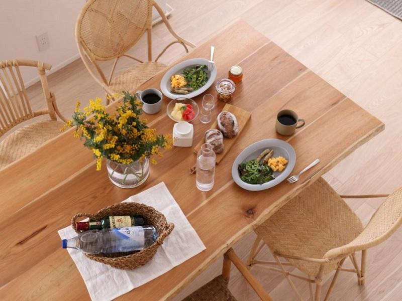 ハギ ダイニングテーブル