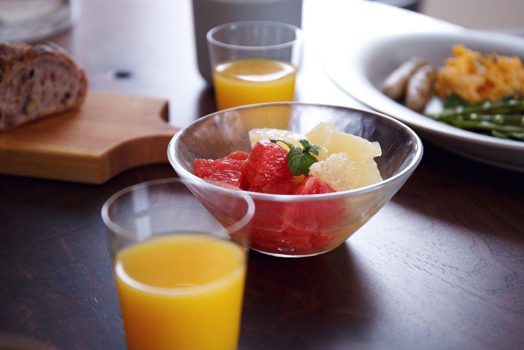 朝食にフルーツを