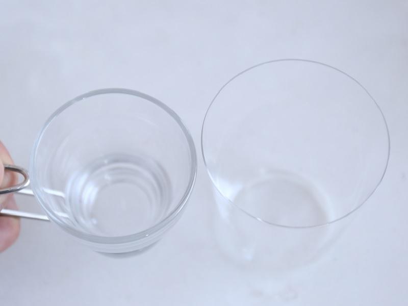 左:一般的なグラス 右:うすはり