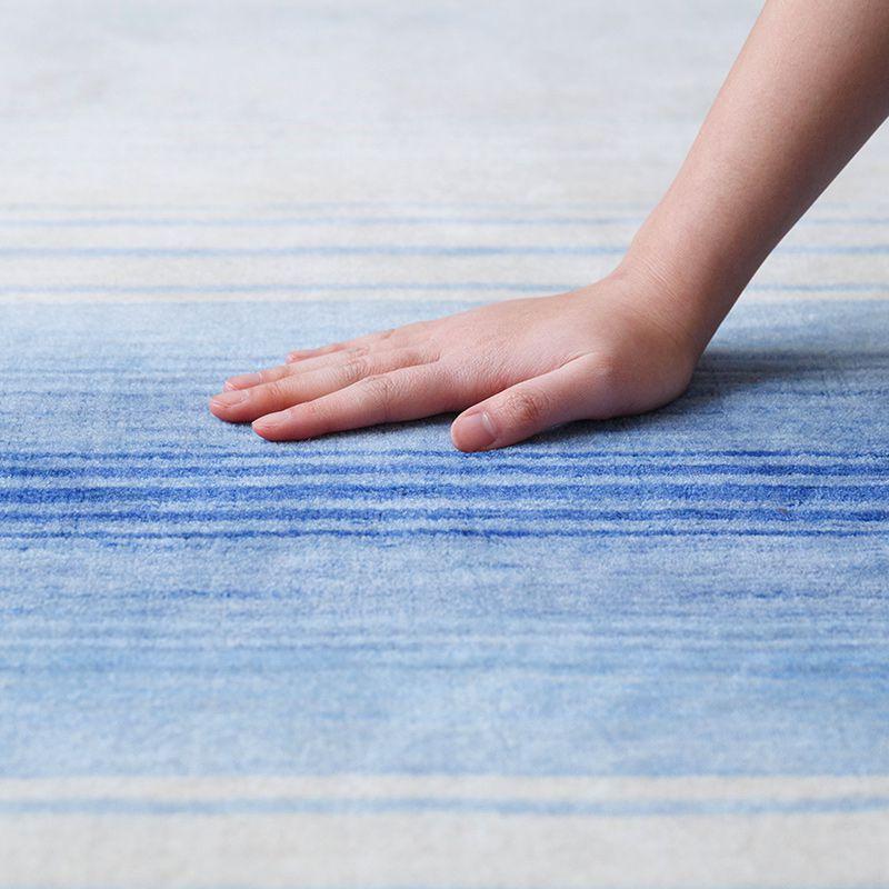 オリジナルラグ 水平線(ブルー) ER6177B 肌ざわりイメージ