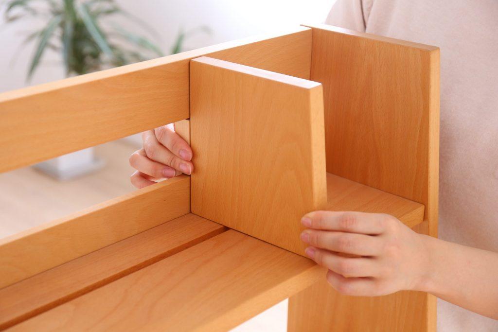 ブックシェルフの棚は可動式です