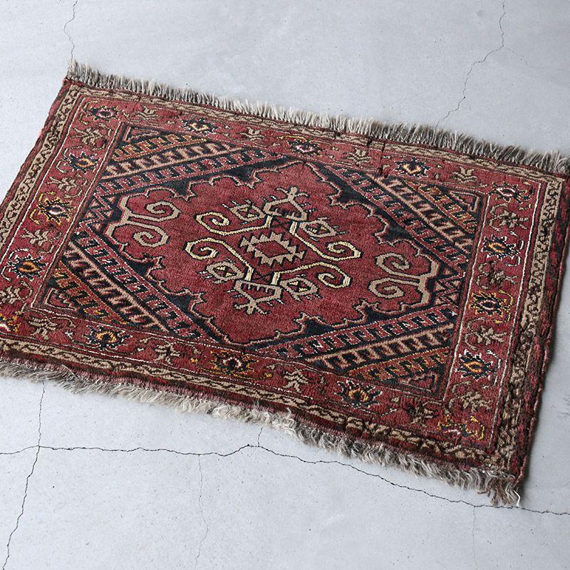 ヴィンテージラグ トルクメン / アフガニスタン / 1970年代 / 81cm x 51cm / OR1-2012001 淡く明るい色合い