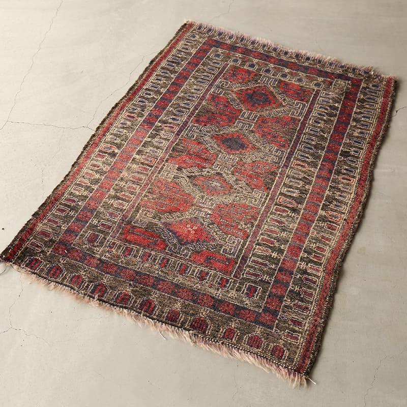 ヴィンテージラグ / バルーチ / アフガニスタン / 1970年代 / 91cm x 120cm / OR14-201201 淡く明るい色合い