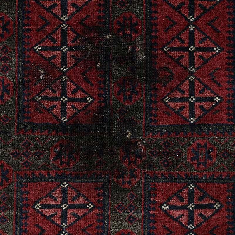 ヴィンテージラグ バルーチ ヤクブカーン / 不明 / 1950年代 / 99cm×169cm / OR21-2012021 黒い汚れ