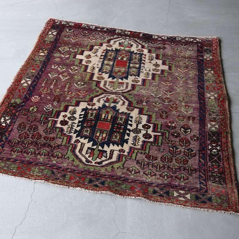 ヴィンテージラグ アフシャール / イラン / 1990年代 / 117cm x 125cm / OR46-3012007 濃く深い色合い