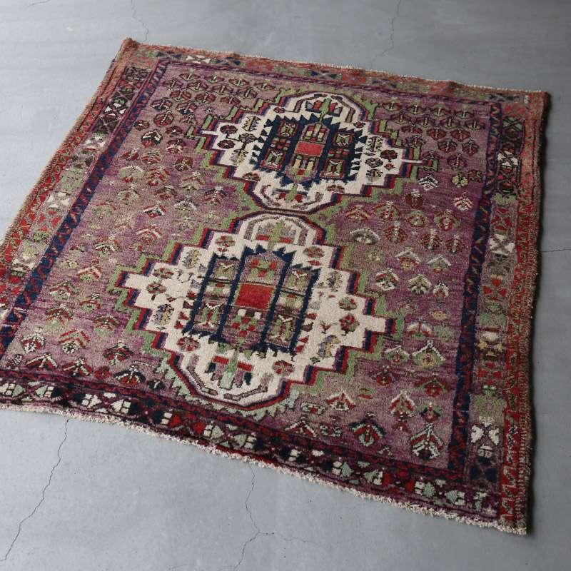 ヴィンテージラグ アフシャール / イラン / 1990年代 / 117cm x 125cm / OR46-3012007 淡く明るい色合い