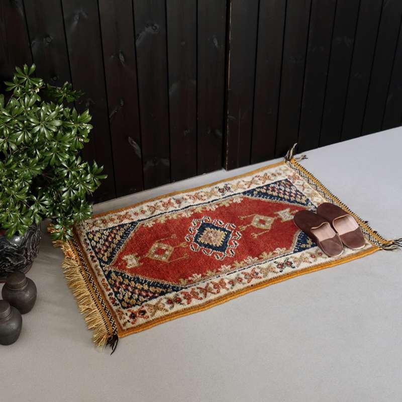 ヴィンテージラグ ベルベル / モロッコ / 1990年代 / 58cm x 98cm / OR51-3012012 玄関イメージ