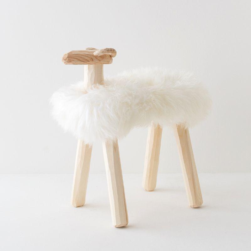 エストニア生まれの羊置き物(大)
