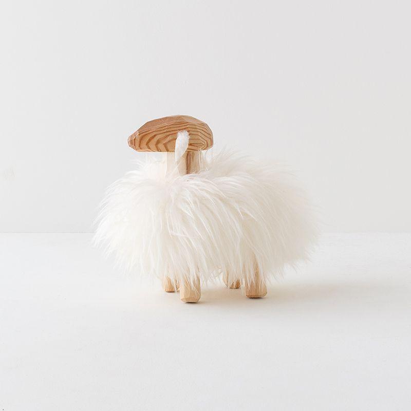 エストニア生まれの羊置き物(小)