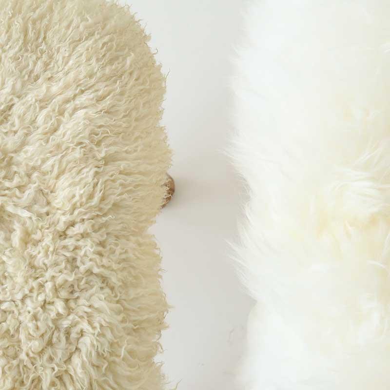 左:数年使用し羊毛の色が濃くなったもの 右:新品