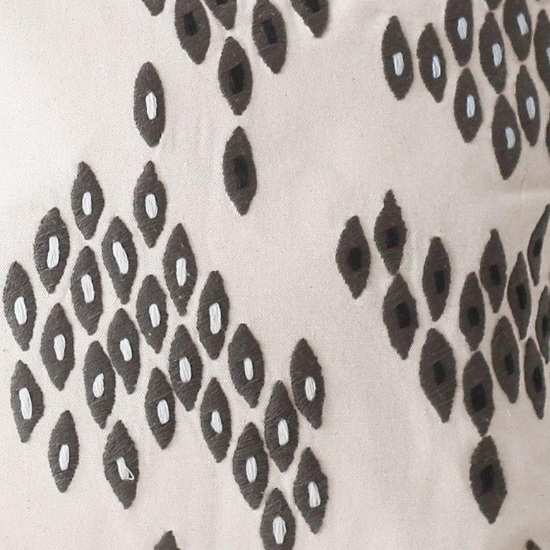 刺繍クッションカバー リーフ刺繍アップ