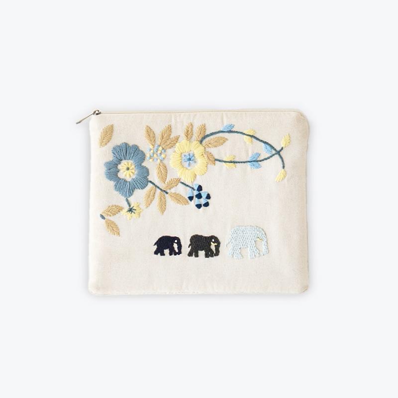 刺繍iPadポーチ エレファント