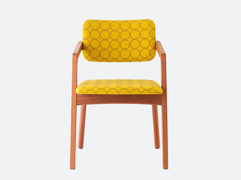 カンチレバーの背もたれ椅子