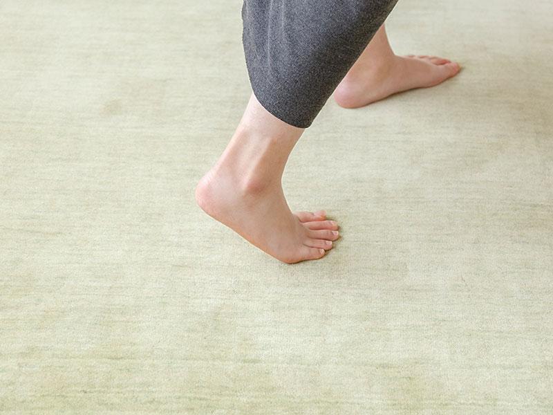 てざわりプレーン 素足に気持ちいい踏み心地