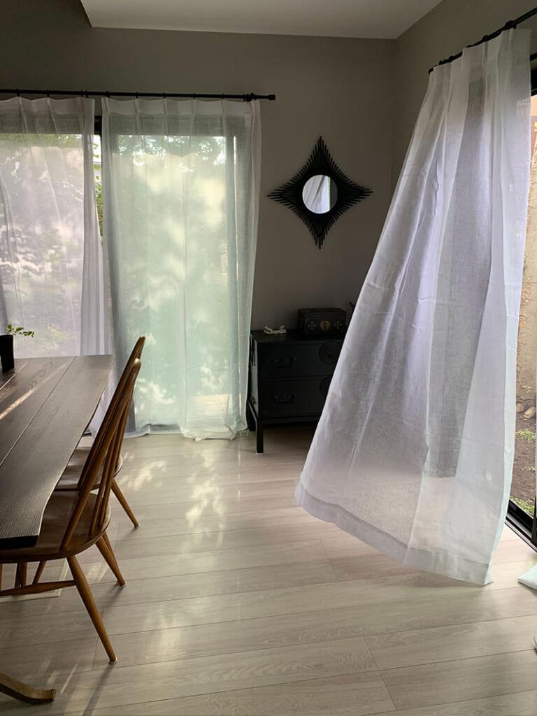 ホワイト ドレープカーテン / リネン100%